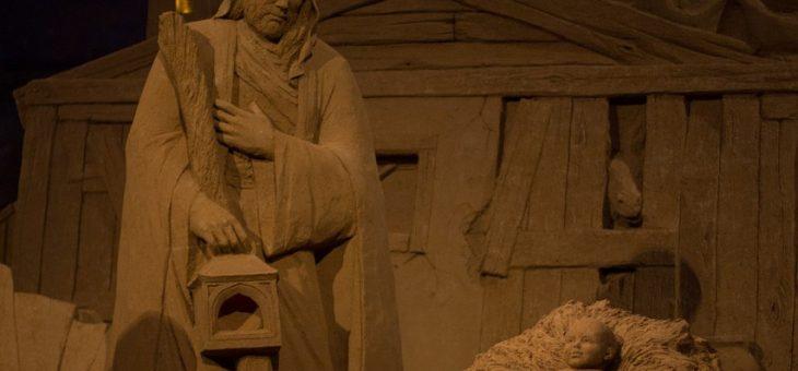 A Marina di Ravenna inaugurato il presepe di sabbia